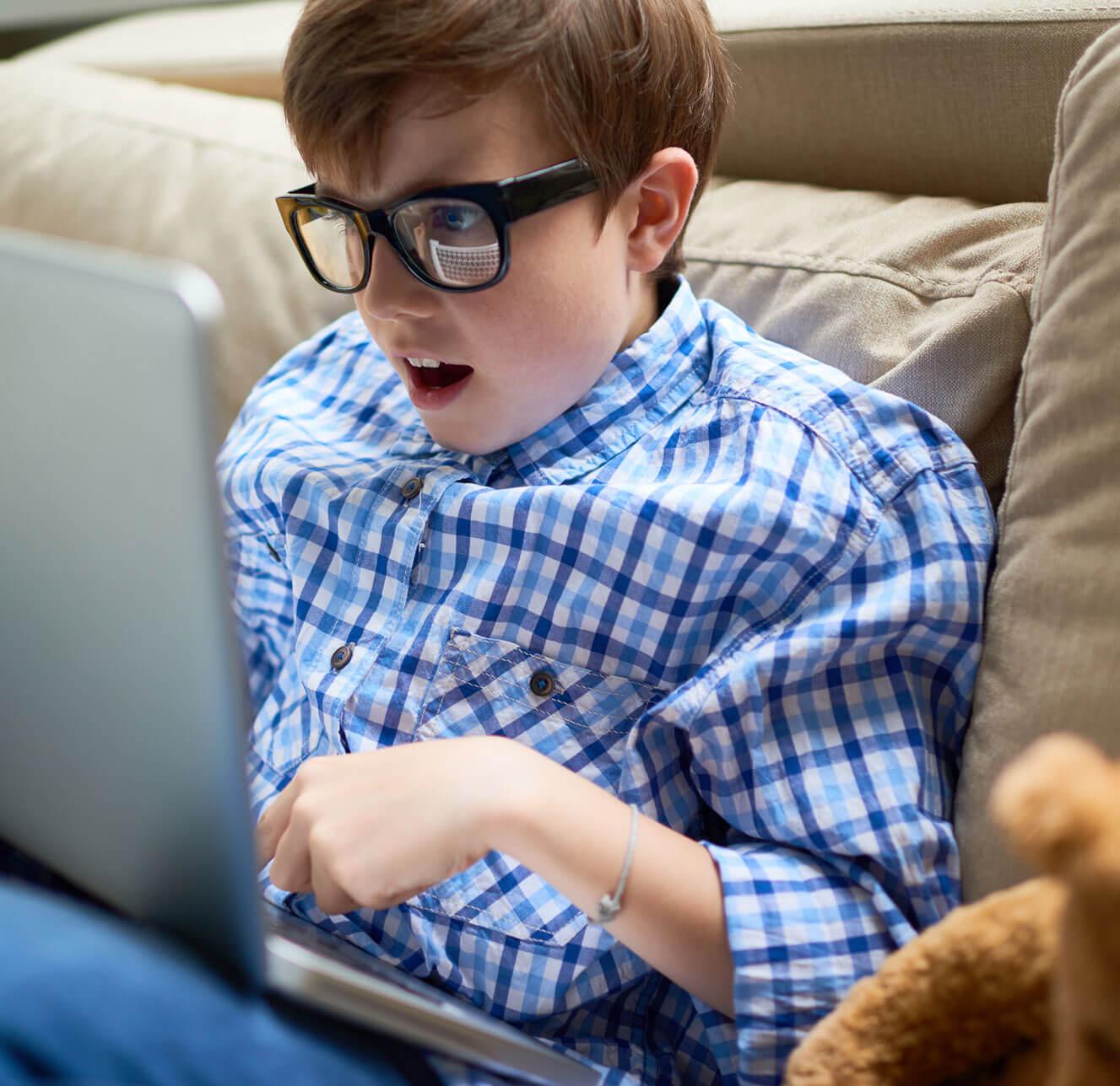 Boy-glasses-teddy2